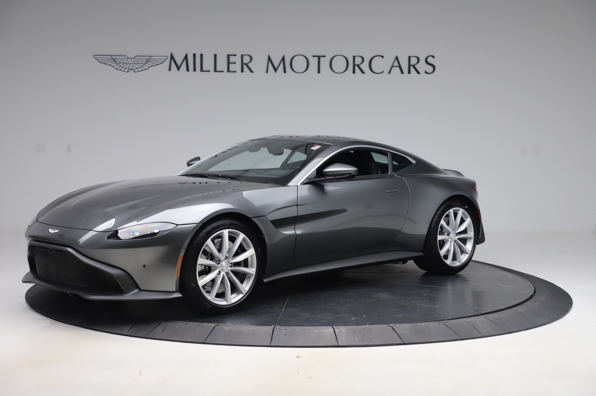 New 2020 Aston Martin Vantage Coupe for sale $168,431 at Alfa Romeo of Greenwich in Greenwich CT 06830 1