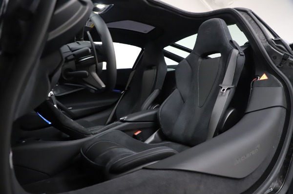New 2020 McLaren 720S Performance for sale $349,050 at Alfa Romeo of Greenwich in Greenwich CT 06830 22