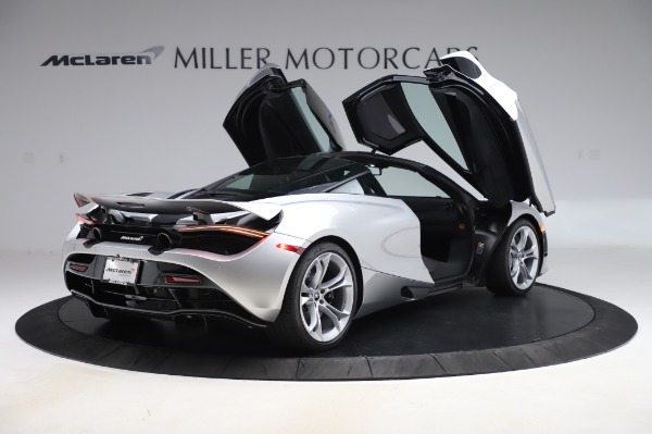 New 2020 McLaren 720S Coupe for sale $347,550 at Alfa Romeo of Greenwich in Greenwich CT 06830 14