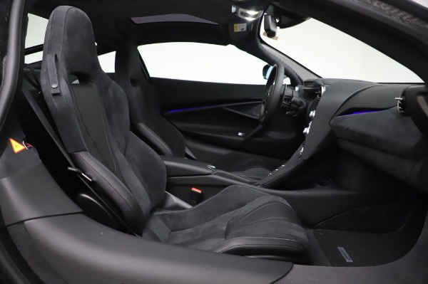 New 2020 McLaren 720S Coupe for sale $347,550 at Alfa Romeo of Greenwich in Greenwich CT 06830 17