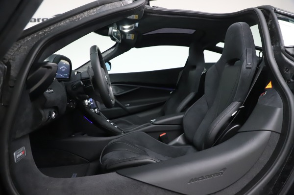 New 2020 McLaren 720S Coupe for sale $347,550 at Alfa Romeo of Greenwich in Greenwich CT 06830 19
