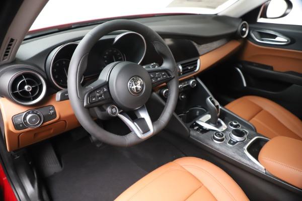 New 2020 Alfa Romeo Giulia Q4 for sale $46,395 at Alfa Romeo of Greenwich in Greenwich CT 06830 13