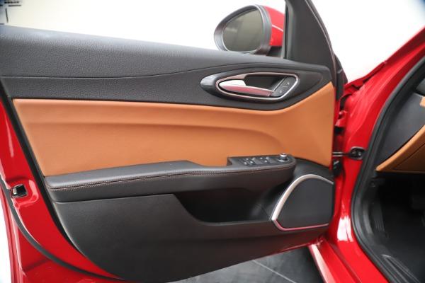 New 2020 Alfa Romeo Giulia Q4 for sale $46,395 at Alfa Romeo of Greenwich in Greenwich CT 06830 17