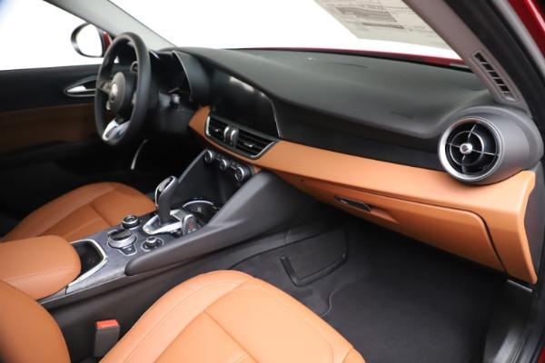 New 2020 Alfa Romeo Giulia Q4 for sale $46,395 at Alfa Romeo of Greenwich in Greenwich CT 06830 22