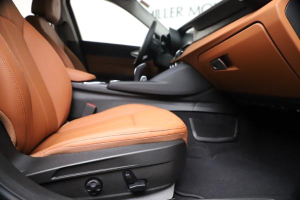 New 2020 Alfa Romeo Giulia Q4 for sale $46,395 at Alfa Romeo of Greenwich in Greenwich CT 06830 23