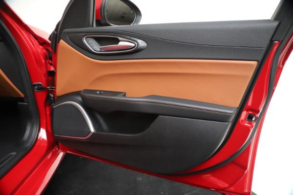 New 2020 Alfa Romeo Giulia Q4 for sale $46,395 at Alfa Romeo of Greenwich in Greenwich CT 06830 25