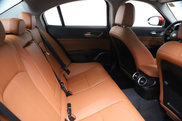 New 2020 Alfa Romeo Giulia Q4 for sale $46,395 at Alfa Romeo of Greenwich in Greenwich CT 06830 27