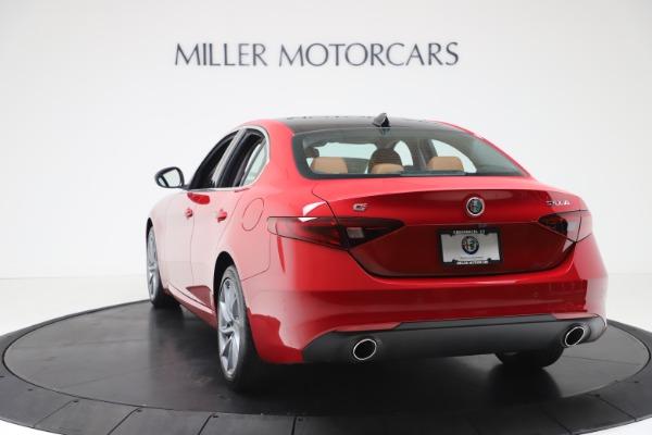 New 2020 Alfa Romeo Giulia Q4 for sale $46,395 at Alfa Romeo of Greenwich in Greenwich CT 06830 5