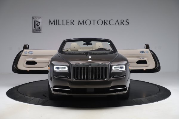Used 2017 Rolls-Royce Dawn for sale Sold at Alfa Romeo of Greenwich in Greenwich CT 06830 10