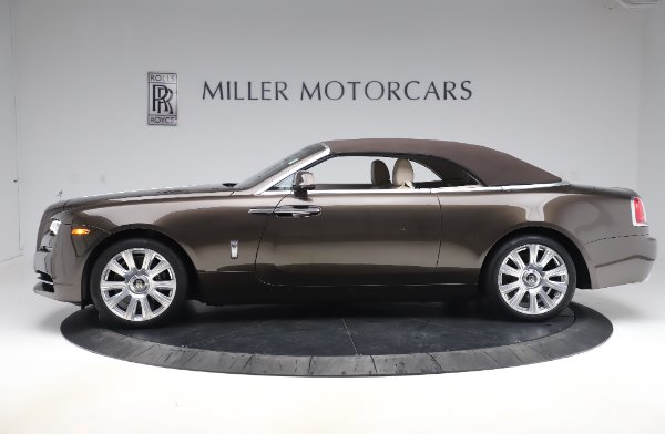Used 2017 Rolls-Royce Dawn for sale $248,900 at Alfa Romeo of Greenwich in Greenwich CT 06830 14