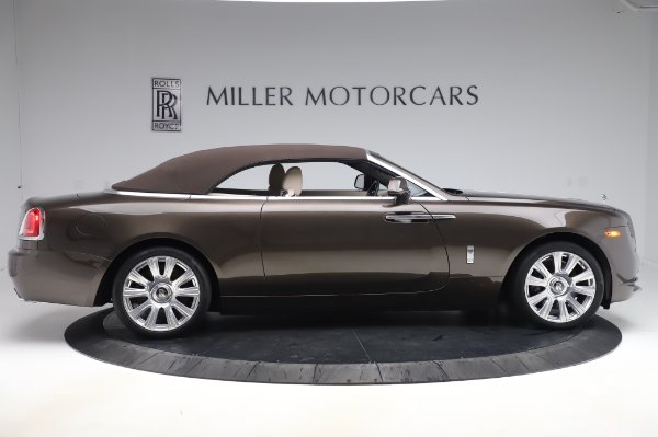 Used 2017 Rolls-Royce Dawn for sale Sold at Alfa Romeo of Greenwich in Greenwich CT 06830 18