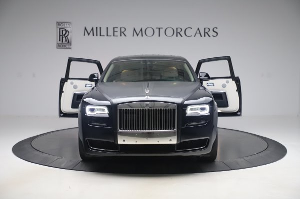 Used 2015 Rolls-Royce Ghost for sale $156,900 at Alfa Romeo of Greenwich in Greenwich CT 06830 11