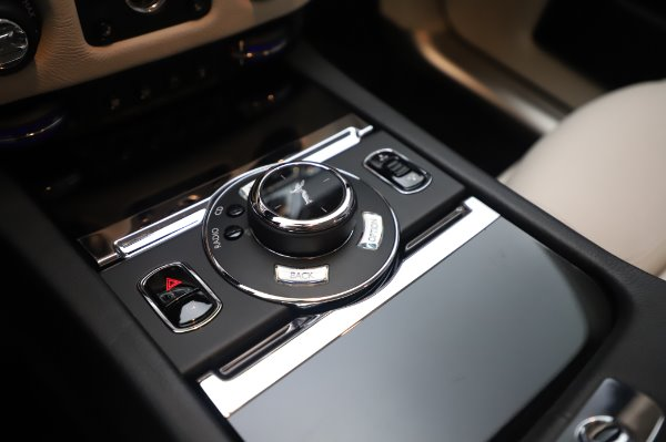 Used 2015 Rolls-Royce Ghost for sale $156,900 at Alfa Romeo of Greenwich in Greenwich CT 06830 20