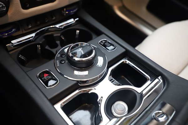 Used 2015 Rolls-Royce Ghost for sale $156,900 at Alfa Romeo of Greenwich in Greenwich CT 06830 21