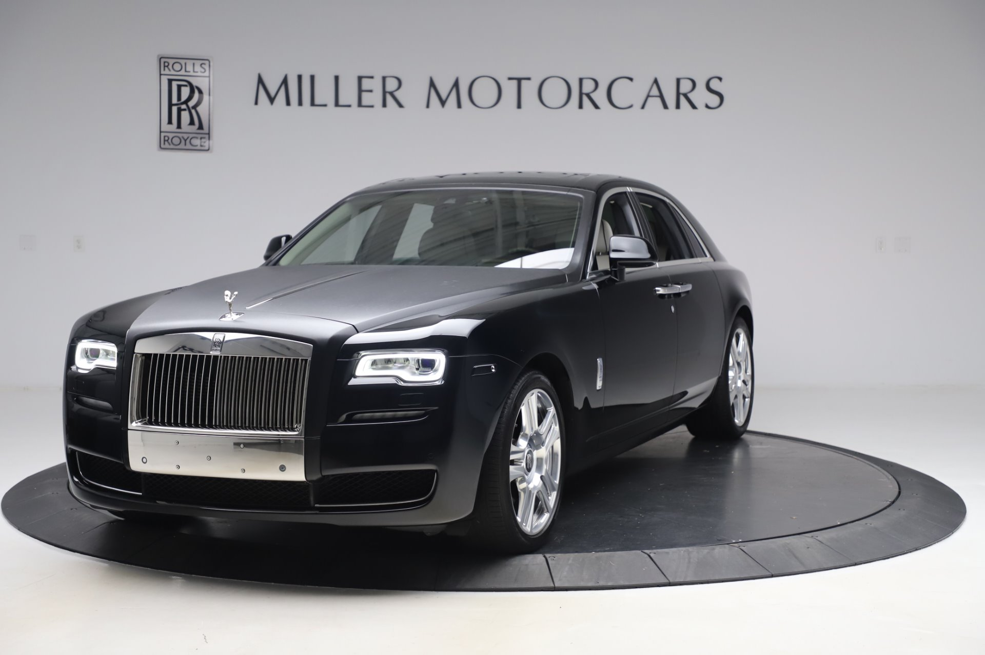 Used 2015 Rolls-Royce Ghost for sale $156,900 at Alfa Romeo of Greenwich in Greenwich CT 06830 1