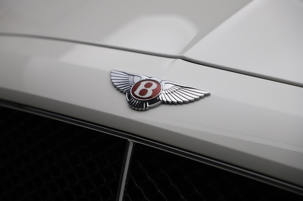 Used 2018 Bentley Flying Spur V8 S for sale $149,900 at Alfa Romeo of Greenwich in Greenwich CT 06830 14