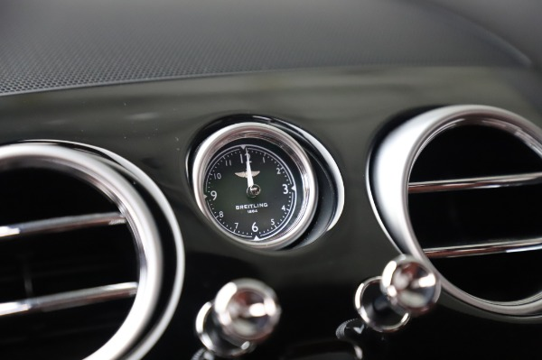 Used 2018 Bentley Flying Spur V8 S for sale $149,900 at Alfa Romeo of Greenwich in Greenwich CT 06830 26