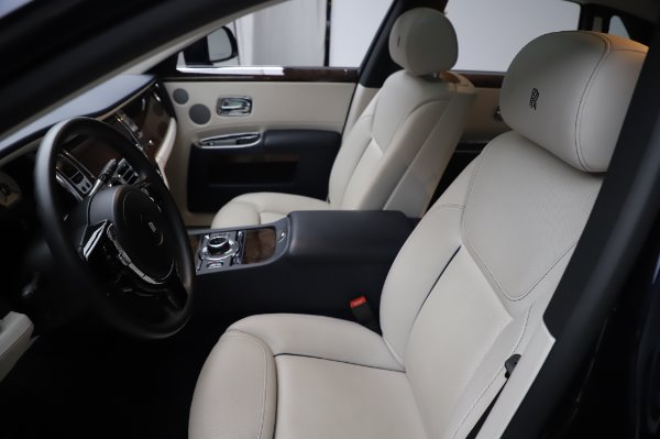 Used 2016 Rolls-Royce Ghost for sale $173,900 at Alfa Romeo of Greenwich in Greenwich CT 06830 12