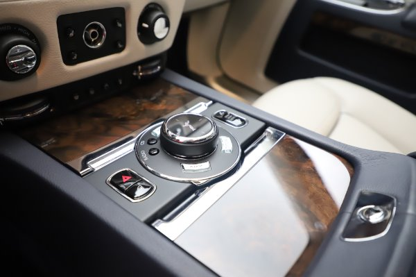 Used 2016 Rolls-Royce Ghost for sale $173,900 at Alfa Romeo of Greenwich in Greenwich CT 06830 20