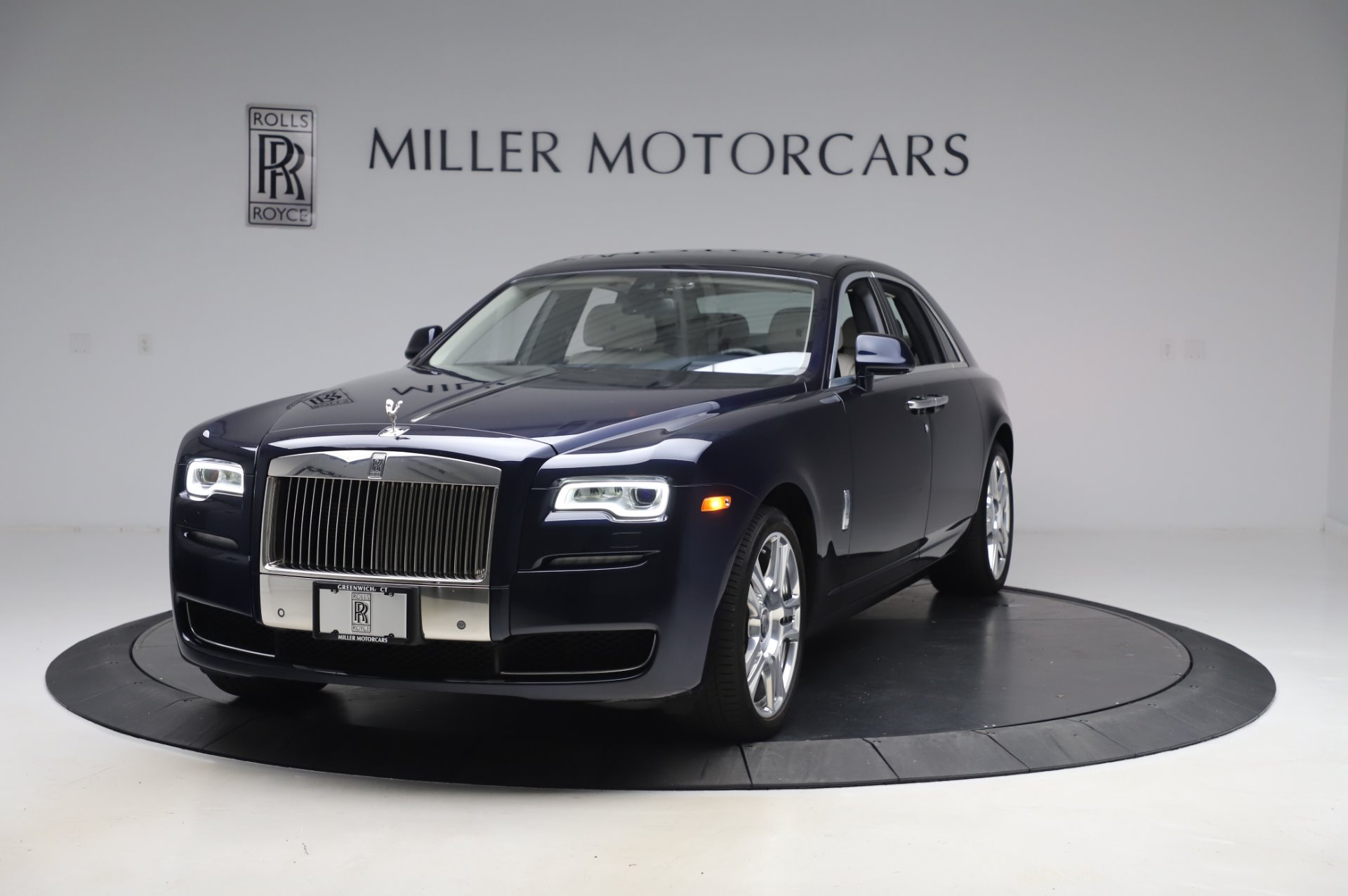 Used 2016 Rolls-Royce Ghost for sale $173,900 at Alfa Romeo of Greenwich in Greenwich CT 06830 1