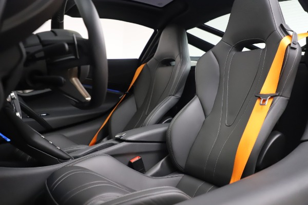 Used 2018 McLaren 720S Luxury for sale Call for price at Alfa Romeo of Greenwich in Greenwich CT 06830 18
