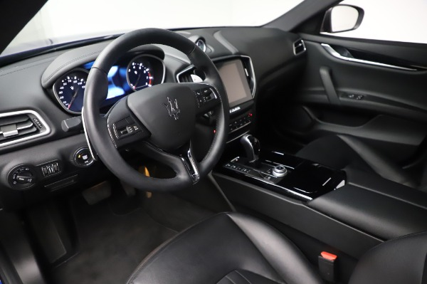 Used 2017 Maserati Ghibli S Q4 for sale $41,900 at Alfa Romeo of Greenwich in Greenwich CT 06830 13