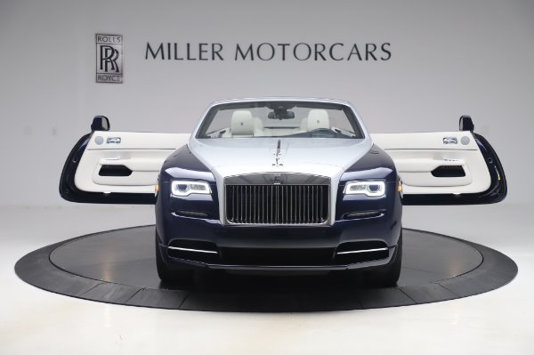 Used 2017 Rolls-Royce Dawn Base for sale $248,900 at Alfa Romeo of Greenwich in Greenwich CT 06830 11