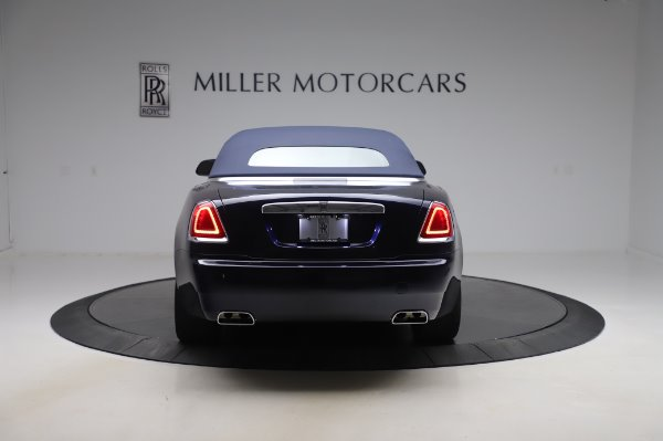Used 2017 Rolls-Royce Dawn Base for sale $248,900 at Alfa Romeo of Greenwich in Greenwich CT 06830 16