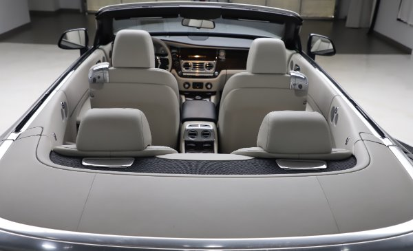 Used 2017 Rolls-Royce Dawn Base for sale $248,900 at Alfa Romeo of Greenwich in Greenwich CT 06830 26