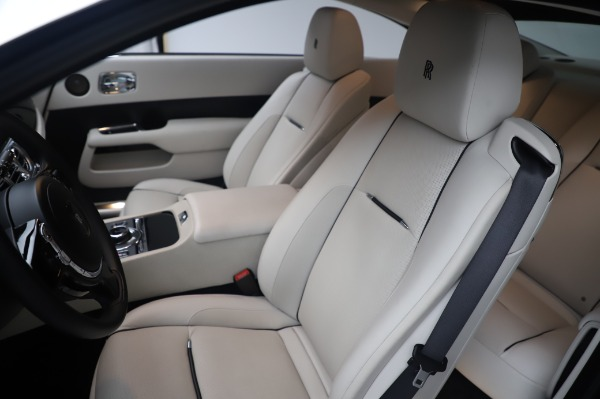 Used 2015 Rolls-Royce Wraith Base for sale $178,900 at Alfa Romeo of Greenwich in Greenwich CT 06830 12