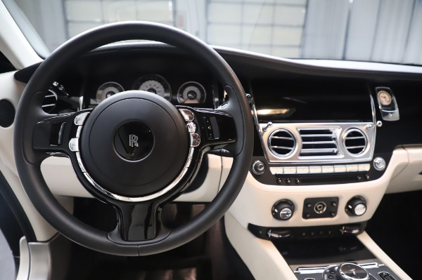 Used 2015 Rolls-Royce Wraith Base for sale Sold at Alfa Romeo of Greenwich in Greenwich CT 06830 17