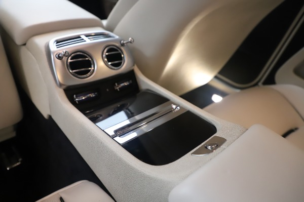 Used 2015 Rolls-Royce Wraith Base for sale Sold at Alfa Romeo of Greenwich in Greenwich CT 06830 24