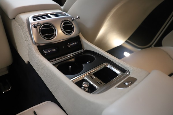 Used 2015 Rolls-Royce Wraith Base for sale Sold at Alfa Romeo of Greenwich in Greenwich CT 06830 25