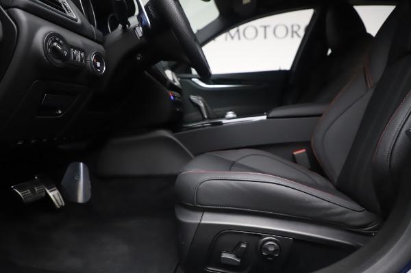 New 2020 Maserati Ghibli S Q4 GranSport for sale $94,935 at Alfa Romeo of Greenwich in Greenwich CT 06830 14