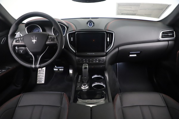 New 2020 Maserati Ghibli S Q4 GranSport for sale $94,935 at Alfa Romeo of Greenwich in Greenwich CT 06830 16