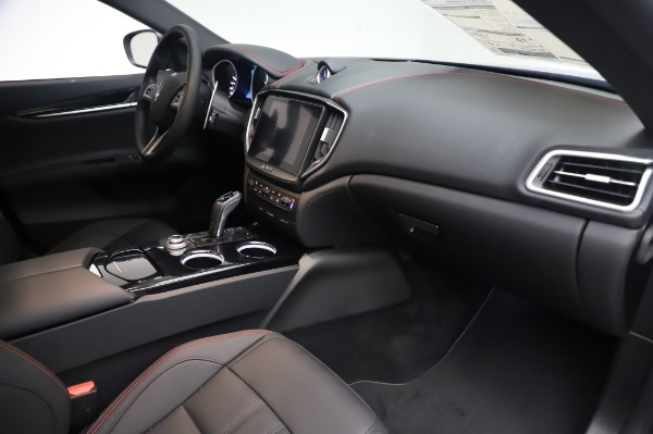 New 2020 Maserati Ghibli S Q4 GranSport for sale $94,935 at Alfa Romeo of Greenwich in Greenwich CT 06830 22