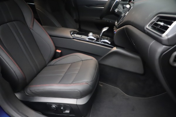 New 2020 Maserati Ghibli S Q4 GranSport for sale $94,935 at Alfa Romeo of Greenwich in Greenwich CT 06830 24