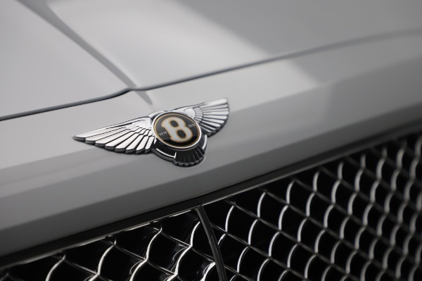 New 2020 Bentley Bentayga Hybrid for sale $226,695 at Alfa Romeo of Greenwich in Greenwich CT 06830 14