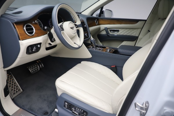 New 2020 Bentley Bentayga Hybrid for sale $226,695 at Alfa Romeo of Greenwich in Greenwich CT 06830 18