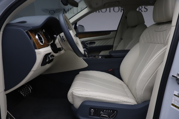 New 2020 Bentley Bentayga Hybrid for sale $226,695 at Alfa Romeo of Greenwich in Greenwich CT 06830 19