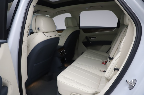 New 2020 Bentley Bentayga Hybrid for sale $226,695 at Alfa Romeo of Greenwich in Greenwich CT 06830 22