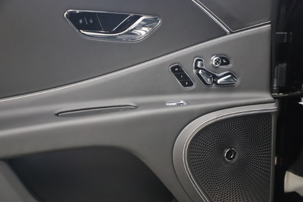 New 2020 Bentley Flying Spur W12 for sale $261,615 at Alfa Romeo of Greenwich in Greenwich CT 06830 26