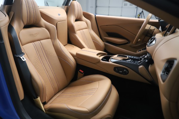 New 2021 Aston Martin Vantage Roadster for sale Call for price at Alfa Romeo of Greenwich in Greenwich CT 06830 20