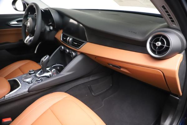 New 2020 Alfa Romeo Giulia Q4 for sale $45,445 at Alfa Romeo of Greenwich in Greenwich CT 06830 22