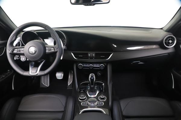 New 2020 Alfa Romeo Giulia Ti Sport Carbon Q4 for sale $51,640 at Alfa Romeo of Greenwich in Greenwich CT 06830 16