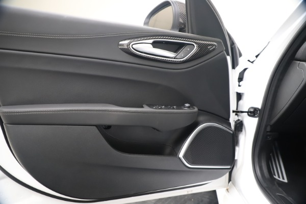 New 2020 Alfa Romeo Giulia Ti Sport Carbon Q4 for sale $51,640 at Alfa Romeo of Greenwich in Greenwich CT 06830 17
