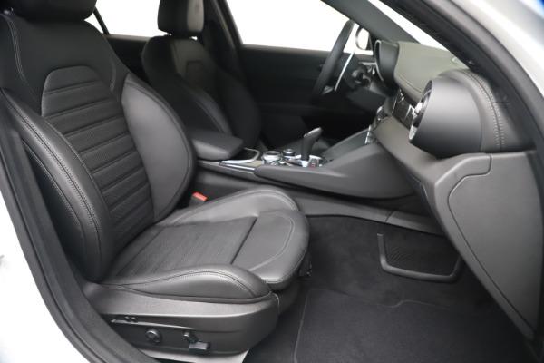 New 2020 Alfa Romeo Giulia Ti Sport Carbon Q4 for sale $51,640 at Alfa Romeo of Greenwich in Greenwich CT 06830 23