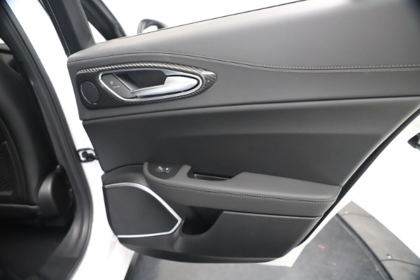 New 2020 Alfa Romeo Giulia Ti Sport Carbon Q4 for sale $51,640 at Alfa Romeo of Greenwich in Greenwich CT 06830 28