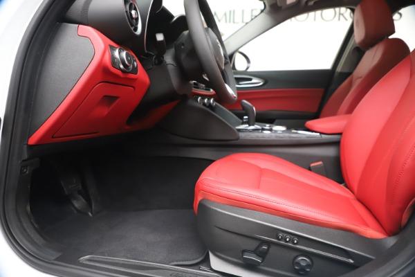New 2020 Alfa Romeo Giulia Q4 for sale $44,845 at Alfa Romeo of Greenwich in Greenwich CT 06830 14