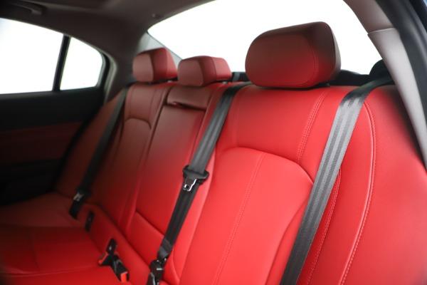 New 2020 Alfa Romeo Giulia Q4 for sale $44,845 at Alfa Romeo of Greenwich in Greenwich CT 06830 18